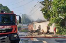 Casă cuprinsă de flăcări la Botoșani! Pompierii au intervenit cu patru echipaje - FOTO