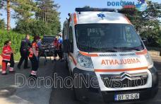 Femeie din Dorohoi salvată de jandarmi după ce poarta de la intrarea în curte a căzut peste ea - FOTO