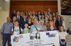 Cadre didactice şi elevi turci şi letoni, în vizită la Palatul Administrativ - FOTO