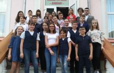 """Concurs de oratorie pentru elevii de gimnaziu – """"Vreau să fiu convingător!"""", organizat la Dorohoi - FOTO"""