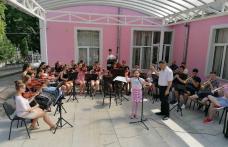 """S-a dat startul celei de-a XV-a ediţii a Festivalului Internaţional de Muzică Populară """"Mugurelul"""" - FOTO"""