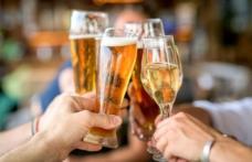 Un pahar de vin sau o halbă de bere, pe zi, te scapă de depresie