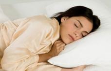 Ce se întâmplă cu creierul tău atunci când dormi mai puțin de șase ore pe noapte