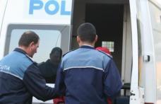 Dorohoianul care a furat o mașină și s-a proprit cu ea într-o stație de tramvai, a fost reţinut 24 de ore