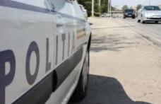 Un șofer băut a fost urmărit de poliție în Dorohoi. A oprit doar după ce a fost blocat de mașina poliției