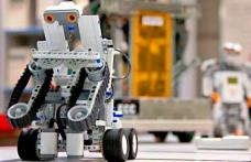 """Liceul """"Regina Maria"""" din Dorohoi se află printre cele patru unități de învățământ din județ care vor participa la un proiect de programare şi robotic"""