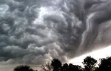 Vești teribile de la meteorologi! Ciclonul din Grecia poate ajunge în România!
