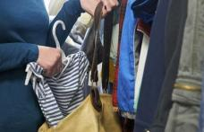 Două tinere din Botoșani cercetate de poliţişti după ce au furat haine dintr-un magazin