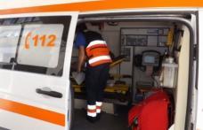Un tânăr de 22 de ani a ajuns la spital după ce a pierdut controlul ATV-ului şi s-a izbit de un gard