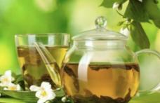 Ceaiuri care ajuta la detoxifiere