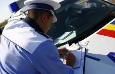 Mașină parcată regulamentar distrusă de un șofer în stare de ebrietate