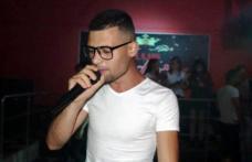 """""""Treziți-vă, din somnul cel de moarte"""" Un adolescent din Darabani a realizat o piesă hip-hop, după drama de la Caracal - VIDEO"""