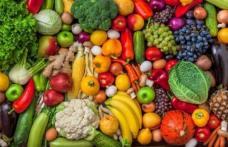 Ştii care sunt cele mai periculoase fructe şi legume? N-ai crede că au atât de multe pesticide!
