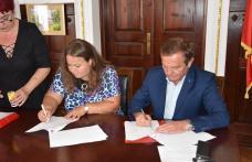Primăria Dorohoi: Au fost semnate zece contracte subvenție în cadrul Concursului de planuri de afaceri Business Start Dorohoi - FOTO