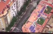 Incredibil! Imagini care au pus poliția în alertă surprinse de un elicopter la Turul Spaniei la ciclism