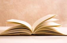 """Lansare de carte de Biblioteca Municipală Dorohoi: Volum de poezii """"Am coborât în mine"""""""