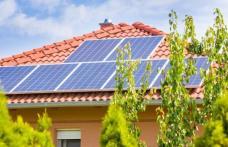 """20.000 de lei de la stat, pentru panouri fotovoltaice. Cum intri în programul """"Casa verde"""""""