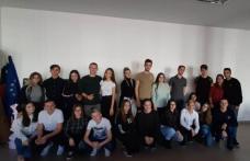 """Balul Bobocilor 2019: Eleganța anilor 20 prezentă la Liceul """"Regina Maria"""" Dorohoi - FOTO"""