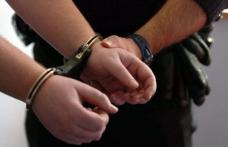 Trei hoţi suspectaţi că au furat obiecte electrocasnice şi scule electrice, dintr-o locuință, cercetați pentru furt calificat