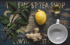 Patru băuturi care îți detoxifiază ficatul și te ajută să slăbești peste noapte