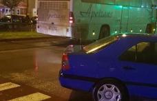 Accident grav! Bătrână în stare critică după ce a fost lovită de un autocar pe trecerea de pietoni