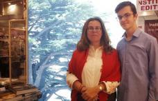 """Tânăr din Dorohoi reprezentant al standului Ambasadei Republicii Libaneze la Târgul de Carte """"Gaudeamus"""""""