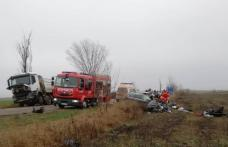 ACCIDENT GRAV! Bărbat încarcerat în urma unui accident produs pe drum din județul Botoșani - FOTO