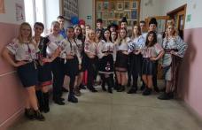 """""""Picături de iubire de ziua ta țara mea"""" activitate realizată de câțiva elevi ai Liceului Tehnologic """"Al.Vlahuță"""" Șendriceni - FOTO"""