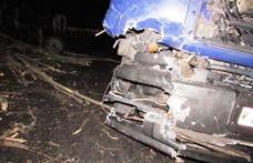 Accident! Căruță plină cu lemne spulberată de un camion