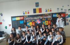 Elevii Școlii Cornerstone au sărbătorit Ziua României - 1 Decembrie - Cântecul poveștii noastre... - FOTO