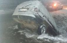 Prima ninsoare serioasă din această iarnă a creat probleme șoferilor în județul Botoșani - FOTO