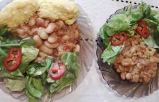 Fasole cu sos de ardei copti - este o reteta de post, gustoasa si foarte usor de gatit