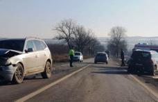 Accident pe drumul Dorohoi-Botoșani! Impact puternic între două autoturisme, o șoferiță a ajuns la spital