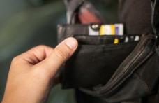 Atenție la buzunare! Recomandări ale polițiștilor pentru siguranța personală
