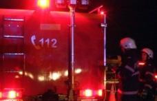 Incendiu izbucnit la o casă din orașul Bucecea! Două persoane au fost transportate la spital cu arsuri
