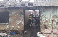 Doi frați au rămas fără acoperiș înainte de Crăciun după ce o butelie a explodat în interiorul casei