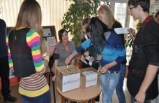 """Grup Școlar """"Regina Maria"""" (VIDEO): A început procesul de votare pentru consiliul şcolar al elevilor"""