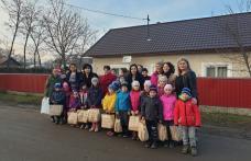 Zeci de copii din județ au primit cadouri de la femeile social-democrate - FOTO