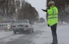 Recomandări ale polițiștilor pentru circulația pe timpul iernii