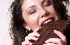 De ce e mai bună ciocolata amăruie. Ajută și la slăbit!