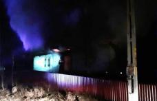 Tragedie la Păltiniș! Un bărbat de 45 de ani a decedat în incendiu care i-a cuprins casa