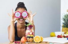 Alimente și vitamine care te fac să arăți mai tânără
