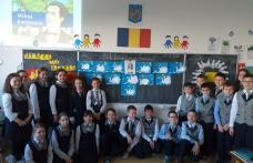 Eminescu – un înger printre stele! Activități de comemorare organizate de elevii Școlii Cornerstone - FOTO