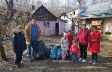 Gest umanitar al pompierilor pentru o familie din Dorohoi - FOTO