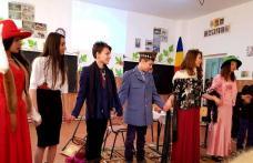 """168 de ani de la nașterea celui mai mare dramaturg român sărbătoriți la Școala Gimnazială """"Mihail Sadoveanu"""" din Dumbrăvița - FOTO"""