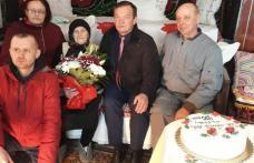 """""""Cetățean centenar"""" din Dorohoi sărbătorit de rude și autorități - FOTO"""