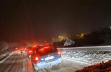 ACCIDENT! Femeie care circula pe mijlocul străzii lovită de o mașină la Lozna