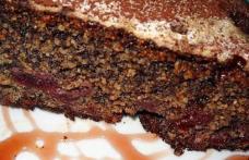 Prăjitură cu mac și vișine