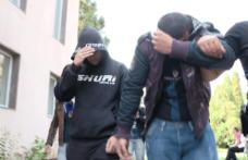 Șase moldoveni cercetați după ce au bătut și tâlhărit doi bătrâni din Curtești