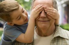 Bani mai mulţi pentru pensionari, cum se poate încasa indemnizaţia de bunic. Cine ar putea avea venituri mai mari